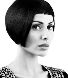 Natalie Imbruglia Natalie Imbruglia, Unique Hairstyles, Famous Women, True Beauty, Black And White Photography, Bobs, Hairdresser, Valentino, Short Hair Styles