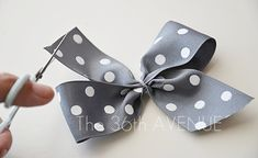 How to make the perfect bow by the36thavenue.com