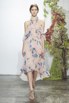 Ulla Johnson Spring 2017 Ready-to-Wear Fashion Show #romanticfloral #floral