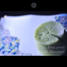 "#JunichiMitsubori #wagashi #kadou #Sweets #Artist #Japanese #Confectionery #works #instaphoto #instasweets #侘寂 #wabisabi #一日一菓 「 #菓道 #蛙池 」 #煉切 製 wagashi of the day "" #Frog pond "" #和菓子 #一菓流 #三代目"