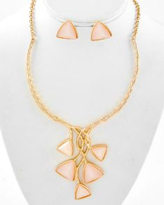 Gold Tone / Natural Acrylic / Lead&nickel Compliant / Necklace & Post Earring Set