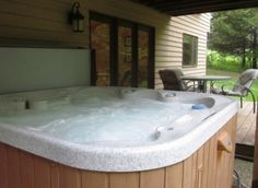 4 BR 4 BA Stony Point - Hot Tub, Pool Table,  Walking distance to Stony Point Lookout