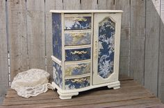 Hand painted jewelry boxes and shabby chic home decor. These items have been sold, but you& welcome to look for colors or styles that you may be interested in, and don& hesitate to contact me with any questions o Shabby Chic Jewellery Armoire, Bijoux Shabby Chic, Shabby Chic Vintage, Jewelry Armoire, Upcycled Vintage, Armoire Design, Jewelry Box Makeover, Painted Jewelry Boxes, Musical Jewelry Box