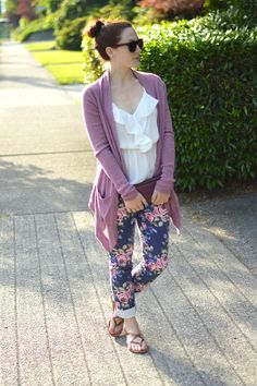 I practically have these pants and struggle with what tops to wear with them! Perfect!
