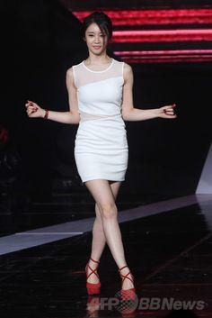 韓国・ソウル(Seoul)にあるソウル放送(SBS)のプリズムタワーで行われた、SBS系列のケーブルテレビSBS MTVによる音楽番組の収録でパフォーマンスを披露する、ガールズグループ「T-ARA(ティアラ)」のジヨン(Ji-Yeon、2014年6月3日撮影)。(c)STARNEWS ▼11Jun2014AFP|U-KISSやM.pire、SBS MTVの音楽番組に出演 http://www.afpbb.com/articles/-/3017116 #Park_Ji_Yeon #朴智姸 #박지연 #T_ARA_Ji_Yeon