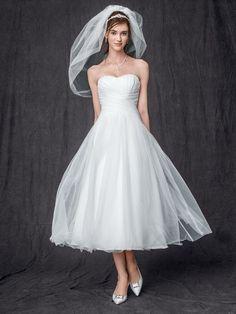 BNWT Sz 4 Strapless Tulle Tea Length Wedding Gown, WG3486, David's Bridal