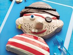 Pirate Cake from Betty Crocker / Just in time for Tybee Pirate Fest :) Pirate Day, Pirate Birthday, Boy Birthday, Birthday Cakes, Pirate Theme, Birthday Ideas, Birthday Recipes, Frozen Cake, Recipe Of The Day