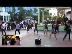 [HD] Flash mob dances marriage proposal , Bruno Mars - Marry you- Fell in love with this song/vid!