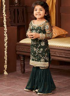 Kids Emerald Green and Gold Gharara Suit Little Girls Fancy Dresses, Wedding Dresses For Kids, Stylish Dresses For Girls, Gowns For Girls, Dresses Kids Girl, Baby Fancy Dress Costume, Kids Dress Wear, Kids Gown, Pakistani Kids Dresses