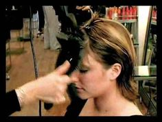 Bang Blowout: How to Blowdry Bangs (Even if You Have a Cowlick), with NYC Hair Stylist Eva Scrivo. I want bangs so bad but all the stylists I work with say I can't because of my cowlicks! How To Cut Bangs, How To Style Bangs, Full Bangs, Style Hair, Hairstyles With Bangs, Trendy Hairstyles, Hairstyle Ideas, Bangs Tutorial, Parted Bangs