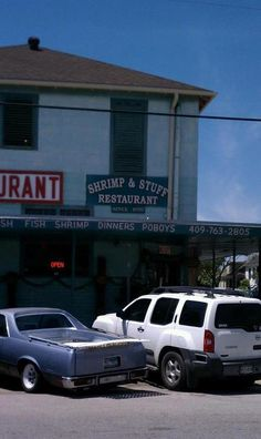 Shrimp 'N Stuff is an out of the way restaurant at the corner of Ave O. At noon you'll see a ton of locals, sometimes lined up outside the door! The gumbo is yummy and we love the fried shrimp, boiled shrimp or catfish po boys!  We usually eat here twice when we are on the island!!