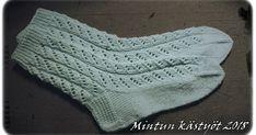 Knitting Charts, Baby Knitting Patterns, Knitting Socks, Knit Socks, Knitting Projects, Mittens, Knit Crochet, Weaving, Crafts