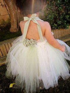 Green flower girl tutu dress, Green and White Tutu Dress, Birthday tutu. on Etsy, $63.49 CAD