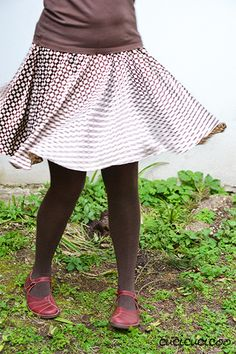 2e7a024be6c Free sewing pattern! How to sew a circle skirt in one or two layers,