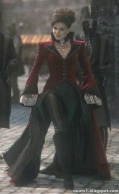 SteamPunk Girl<---this is Regina aka The Evil Queen from Once Upon A Time Mode Steampunk, Steampunk Fashion, Gothic Fashion, Steampunk Coat, Gothic Steampunk, Steampunk Necklace, Steampunk Clothing, Victorian Gothic, Gothic Lolita