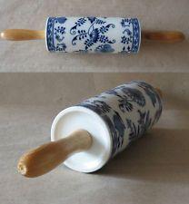 ANTIQUE BLUE PORCELAIN CHINA KITCHEN ROLLING PIN / ONION MEISSEN PATTERN / 1900s