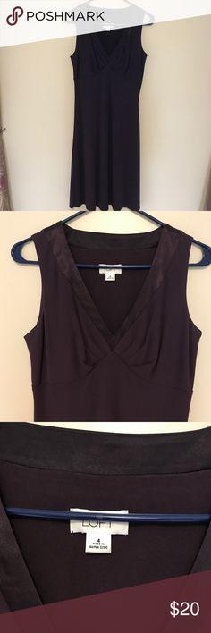 Deep Plum LOFT dress sz 4 Gorgeous deep Plum colored LOFT dress purchased on Poshmark, didn't fit my body. LOFT Dresses