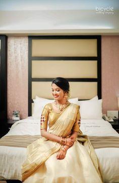 Kerala Engagement Dress, Engagement Dresses, Saree Wearing Styles, Set Saree, Kerala Wedding Photography, Kerala Saree, Half Saree, Wedding Beauty, Blouse Designs