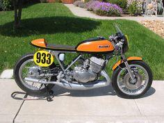 Vintage Suzuki Cafe Racer #933. One Quick Zuki!