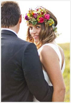 I'm in love with a Flower Headdress for Brides including silk floral tiaras, flower headdresses fit for a rustic country and feminine bride Flower Crown Wedding, Diy Wedding Flowers, Bridal Flowers, Flowers In Hair, Flower Tiara, Bridal Crown, Silk Flowers, Flower Headdress, Floral Headpiece