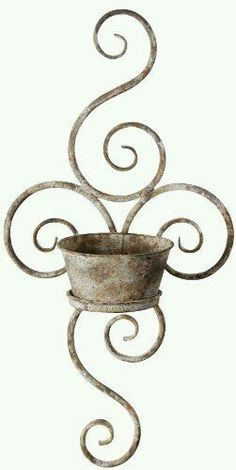 Esschert Design USA Aged Metal Wall Planter: The aged metal finish of this wall planter is a perfect addition to your outside decor. The beautiful scrolled design will look great on any wall. Garden Art, Home And Garden, Planter Garden, Fallen Fruits, Metal Wall Planters, Wrought Iron Decor, Aging Metal, Esschert Design, Iron Work
