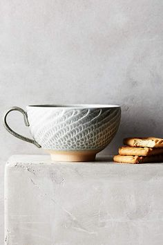 Ridged Swann Mug - anthropologie.eu