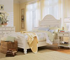 American Drew Camden Light Collection: PANEL BED 5/0