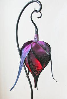 Little Wing Faerie Art — Silk butterfly and moth hanging lights. Red Led Lights, Hanging Lights, Fairy Lights, Butterfly Lamp, Flower Lamp, Flower Lights, Laser Cut Lamps, Hades Disney, Art Nouveau