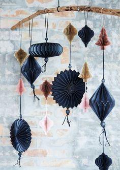 Des boules de Noël origami, à acheter ou à fabriquer soi-même