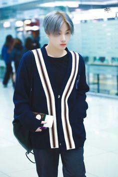 190312 ICN ✈ #JINHWAN #iKON Kim Jinhwan, Chanwoo Ikon, Yg Entertainment, Bobby, Ikon Member, Ikon Kpop, Ikon Wallpaper, Ikon Debut, Airport Style
