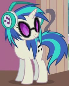 DJ Pon-3 a.k.a. Vinyl Scratch. Mlp Characters, My Little Pony Characters, My Little Pony Poster, Vinyl Scratch, Midtown Comics, Rainbow Rocks, Mlp Fan Art, Some Beautiful Pictures, Little Poney