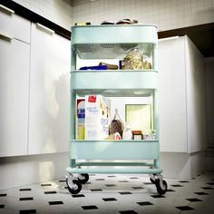 You do everything in the kitchen - cook, eat, bake, surf and play. Because when space is small, ideas get bigger - like the RÅSKOG breakfast cart that you roll out when needed.