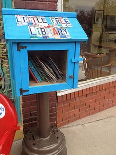 little free library- cant get over this idea! love it! and shows the need for books and libraries even in this modern digital age! Whoohoo!!