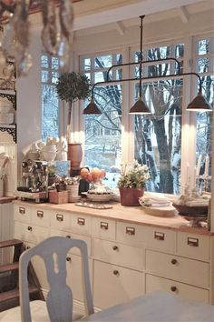 Cozy kitchen love the idea of old mail box/file drawers! Cozy Kitchen, Country Kitchen, New Kitchen, Kitchen Dining, Kitchen Decor, Kitchen Corner, Swedish Kitchen, Vintage Kitchen, Kitchen Ideas