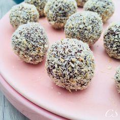 Kekszmentes kókuszgolyó (MINDENMENTES) | Chez Sandra Healthy Desserts, Clean Eating, Paleo, Herbs, Food, Minden, Chef Recipes, Cooking, Health Desserts