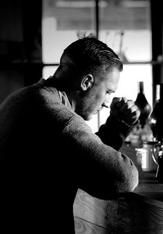 Tom Hardy. Now that's the most amazing profile I've ever seen.