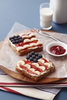Healthy and fun snack!could do the same with strawberries for a canadian flag
