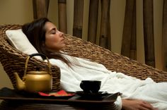 http://www.float-in.pt/en/packages/oriental-spa-journey.html Oriental Spa Journey  Hot Stones Massage (55min), Float session (35min), tea ritual, Himalayan salt body scrub (25min), Ayurveda massage (50min), light meal, Tui Na, Shiatsu or Thai massage (50min).  Embark in an oriental exotic spa journey with Float in and get to know the typical well being treatments from several ancient civilizations.