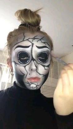 Guys Halloween Makeup, Amazing Halloween Makeup, Halloween Makeup Looks, Halloween Parties, Halloween Cosplay, Really Scary Halloween Costumes, Halloween Face Paint Scary, Halloween Ideas, Creepy Costumes