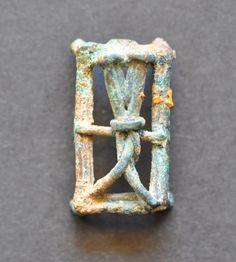 Amlash bronze figurine 32, belt buckle, 1st millenium B.C. Private collection