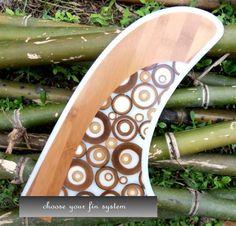 Wooden surfboard fins Surfboard Storage, Wooden Surfboard, Surfboard Fins, Surfboards, Board Shop, Skate Art, Surf Art, Boarders, Its A Wonderful Life