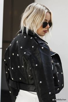 Score some style from Forever Moto jackets, utility jackets, pea coats, & prints - we've got them and much more. Look Fashion, Fashion Outfits, Womens Fashion, Studded Leather Jacket, Painted Leather Jacket, Elisa Cavaletti, Blazers, Diy Clothes, Ideias Fashion