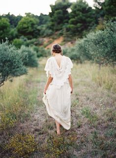 I think I would do something like this with opportunity to do again.Delicate Provence Sunrise Wedding Ideas via oncewed.com