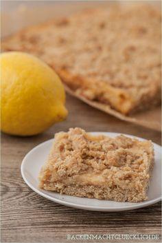 Zitronenkuchen aus Haferflocken-Streusel-Masse und Zitronencreme