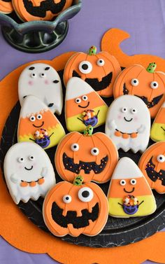 Today I'm going to show you how to decorate super cute Halloween Sugar Cookies using Wilton cookies cutter and sprinkles. You are going learn how to make ado. Pillsbury Halloween Cookies, Halloween Cookie Recipes, Halloween Cookies Decorated, Halloween Cookie Cutters, Halloween Sugar Cookies, Halloween Cakes, Halloween Party, Decorated Cookies, Halloween Desserts