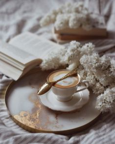 Coffee Is Life, Coffee Love, Coffee Bullet, Aesthetic Coffee, Morning Coffee, Tea Time, Panna Cotta, World, Ethnic Recipes