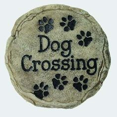 Spoontiques Dog Crossing Stepping Stone: High quality indoor or outdoor hand sculpted & hand painted decorative resin wall plaque or stepping stones can be hung on your wall or simply add a welcoming touch to your home, yd or office.