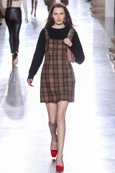 Topshop Unique Fall 2015 Ready-to-Wear Fashion Show - Zoe Huxford