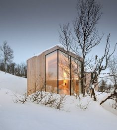 Mountain Holiday Home Exhibiting a Contemporary Design Approach in Norway