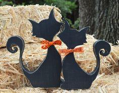 Halloween Wood Crafts, Rustic Halloween, Farmhouse Halloween, Halloween Door, Halloween Home Decor, Halloween Signs, Fall Halloween, Halloween Decorations, Holiday Decorations